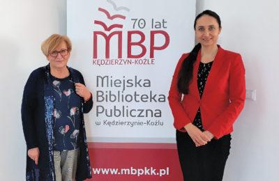 Marta Fox (z lewej) przewodnicząca Jury i Izabela Migocz - Dyrektor Miejskiej Biblioteki Publicznej.